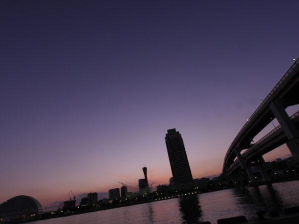 「三脚+低感度+レリーズでリモートシャッター」で夜景を撮るための基本
